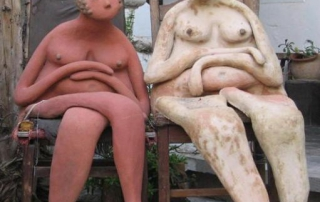 11180_Naked-women-statue_620